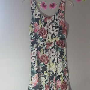 Sleeveless floral sun dress